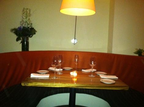 TABLE - PERILLA