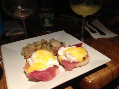 Eggs Benedict (Poached Egg, Prosciutto, Hollandaise on an English Muffin), Hash Browns