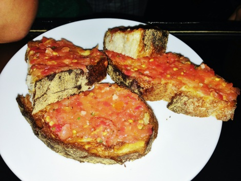 Pan Tomaca