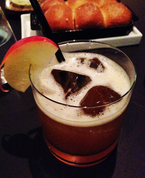 Leaves Falling – Plymouth Gin, Calvados, Apple, Maple, Earl Grey, Lemon