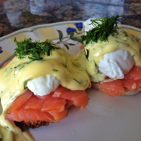 Smoked Salmon Eggs Benedict with Lemon-Dill Hollandaise Sauce