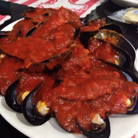 Mussels smothered in Red Sauce